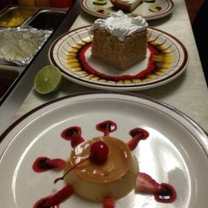 Rikisimos postres de hacienda real: flan de la casa, pastel de 3 leches, y pie de limon ...