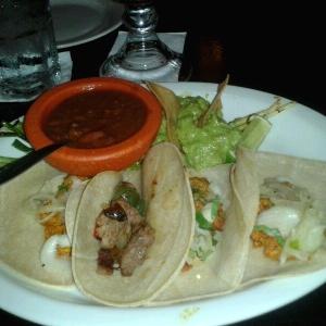 Tacos super ranchero (pollo, carne y puerco)